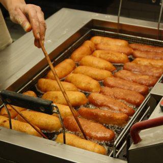 Postup výroby bramboráčků, pečiva z bramborového těsta.