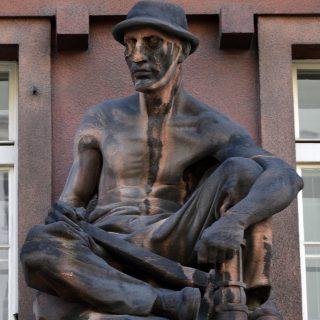 Alegorie hornictví Jaroslava Brůhy, ilustrační obrázek pro nový článek o sochaři na české Wikipedii (autor: NoJin, CC BY SA 3.0)