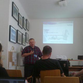 Jedna z akcí v kanceláři - workshop s novinářem.