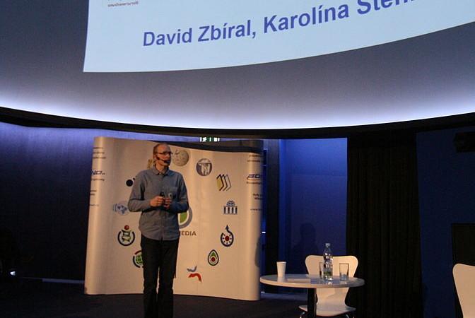 Tomáš Mozga prezentující spolupráci s MU (CC-BY-SA 4.0, Martin Strachoň)