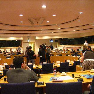Jednání jednoho z výborů Evropského parlamentu. Takové se uskuteční právě 16. června, kdy legislativní výbor bude hlasovat návrh reformy autorského práva (JLogan, CC BY-SA 3.0)
