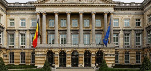 Národní palác v Bruselu; sídlo federálního parlamentu (Sněmovny reprezentantů a Senátu).