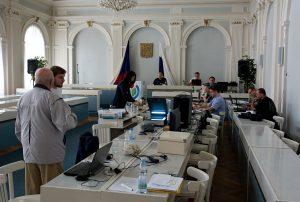 Wikipedisté pracovali v nádherném radničním sále
