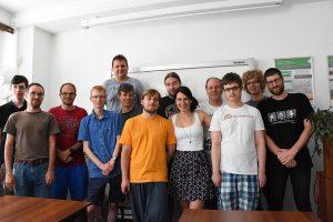 Účastníci setkání (autor: Ben Skála, CC-BY-SA 4.0)